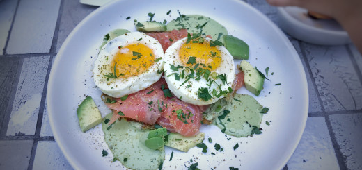 Sunny side eggs, smoked salmon, avocado, basil tahini and fennel pollen from Winsome. Photo: T.Tseng // flickr: Creative Commons