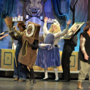 Nonprofit Nine O'Clock Players brings the classic fairytale to the stage for children of all incomes. King Middler Schooler Reviews.