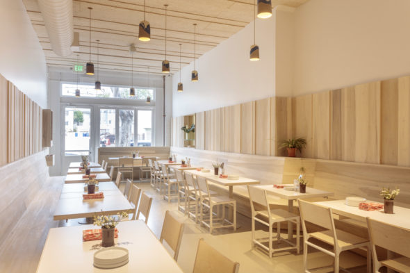 Famed Food Critic Jonathan Gold Recently Named Los Feliz S Kismet With Its Mediterranean And Clean Minimalist Interior One Of The Best Restaurants